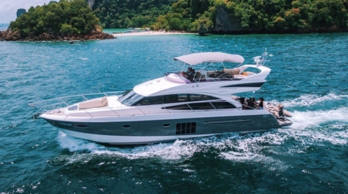 Моторная яхта Princess 60 на Пхукете
