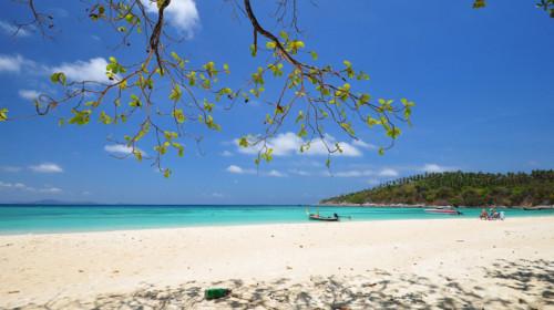 экскурсия на яхте на острова Рача и Майтон